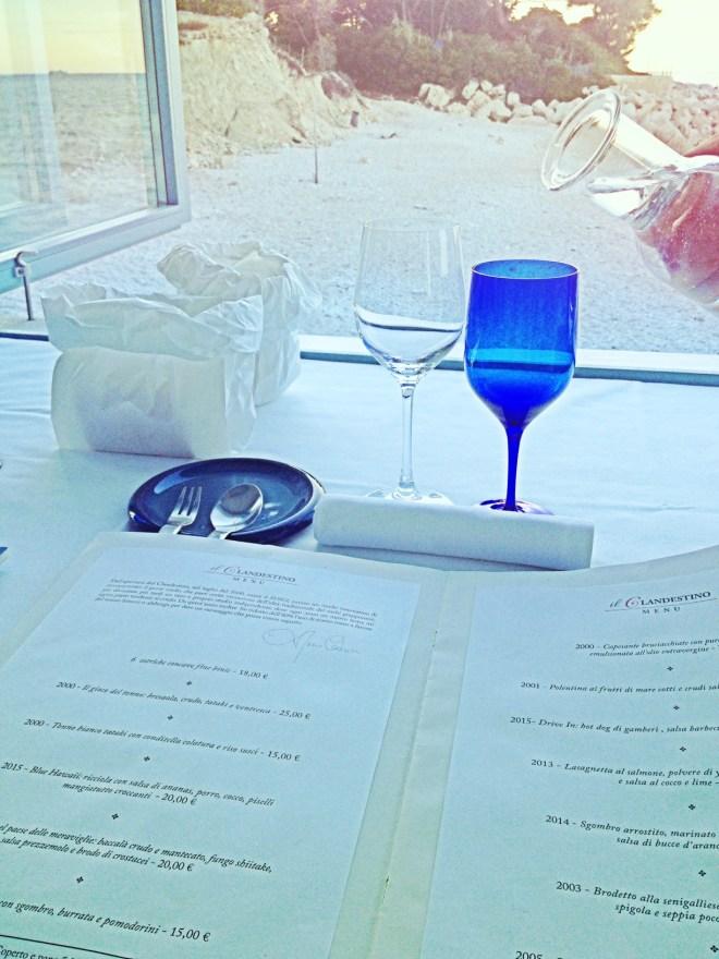 Il Clandestino, tavolo alla finestra