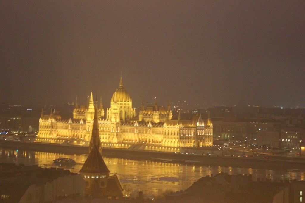 Vista sul Parlamento a 10 gradi sotto zero