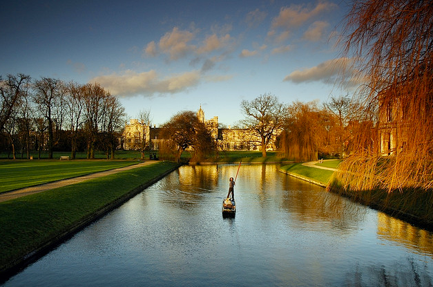 Winter-Punting-Cambridge