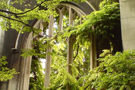 prettiest-secret-gardens-in-london-06