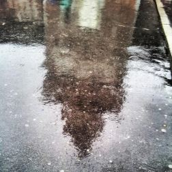 Milano. Castello Sforzesco. Pioggia. Amica. Non manca niente