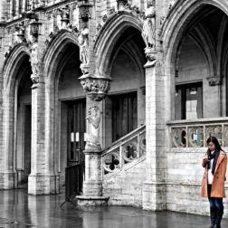 Un frammento di viaggio. Bruxelles è una città che non ho capito ma Grand Place è un luogo magico. Rivederla, anche solo in foto, mi emoziona sempre un po'.