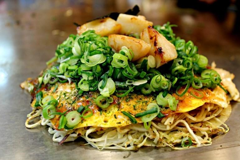 Okonomiyaki di Hiroshima, in Giappone