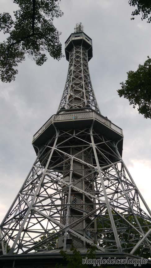 21-torre-panoramica-collina-petrin praga