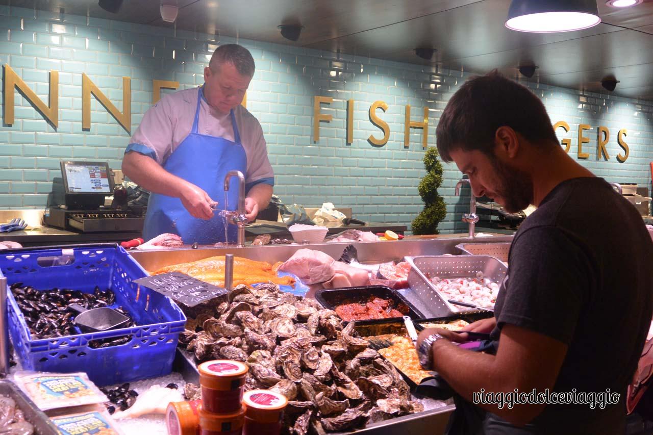 Ostriche al mercato coperto di Cork
