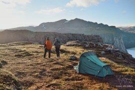 Viaggiare con l'attrezzatura da campeggio