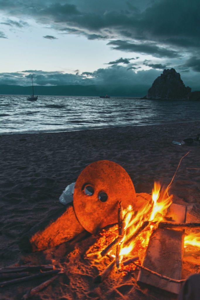 campeggiare a olkhon Island con barbecue