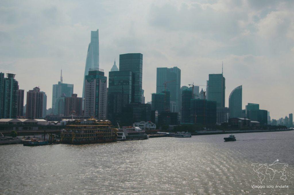 Shanghai nave tra cina e giappone