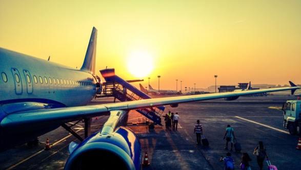 imbarco passeggeri aereo