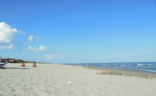 spiaggia-barricata