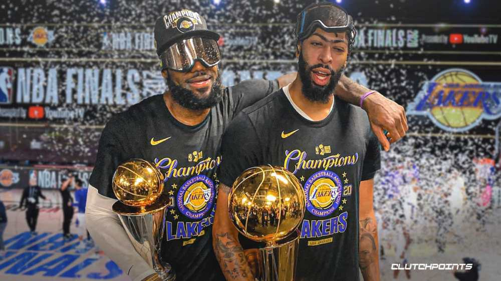 LeBron and Anthony Davis celebrate with champagne