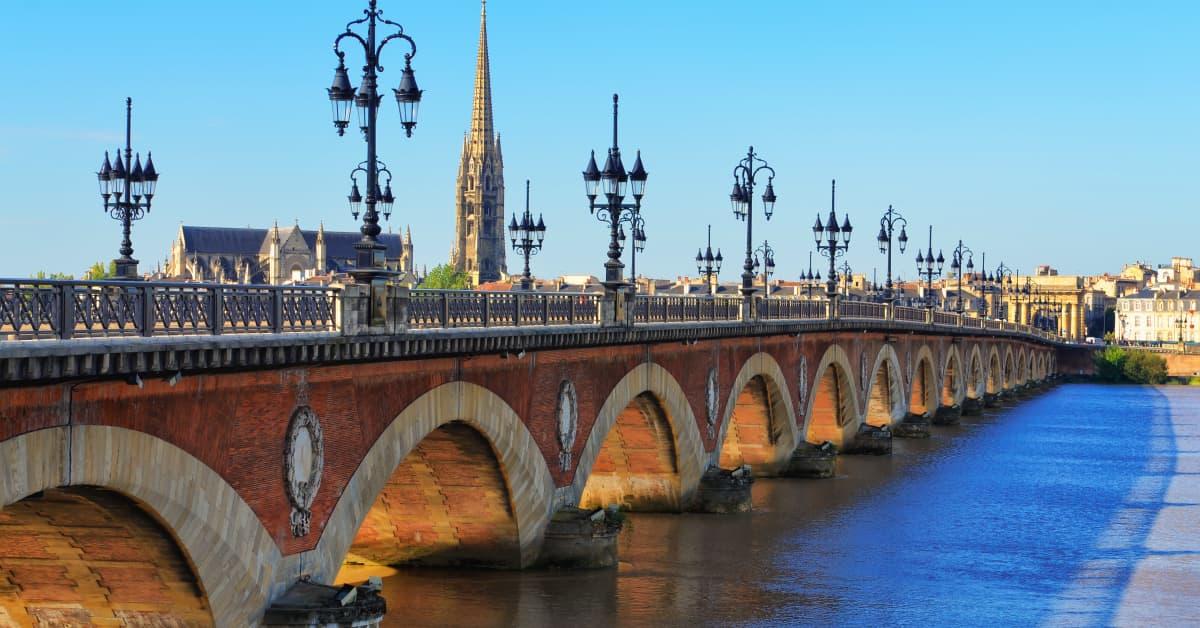 Volo Napoli – Bordeaux: prezzi e offerte