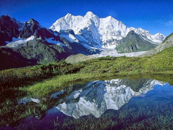 montagne del nepal