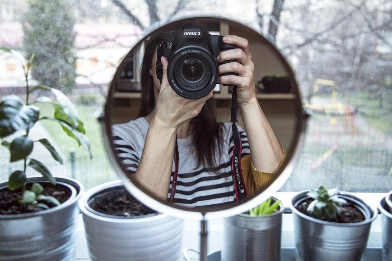 Come scattare belle foto quando sei sola