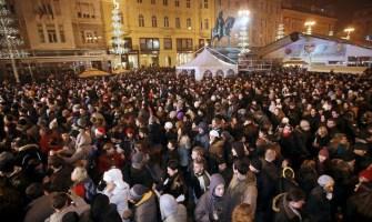 Bana Jelacica crowd