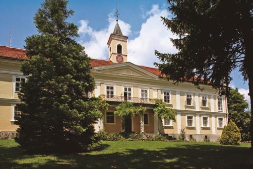 Bezanec Castle