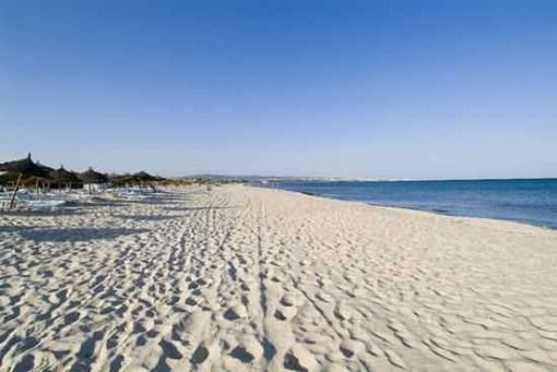 Skanes Beach
