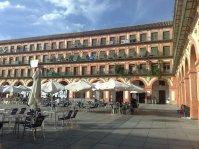 Plaza de La Corredera, plaza porticada de estilo castellano, el recinto data de época árabe