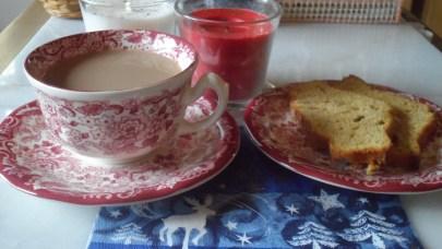 Café de Navidad y bizcocho de calabaza