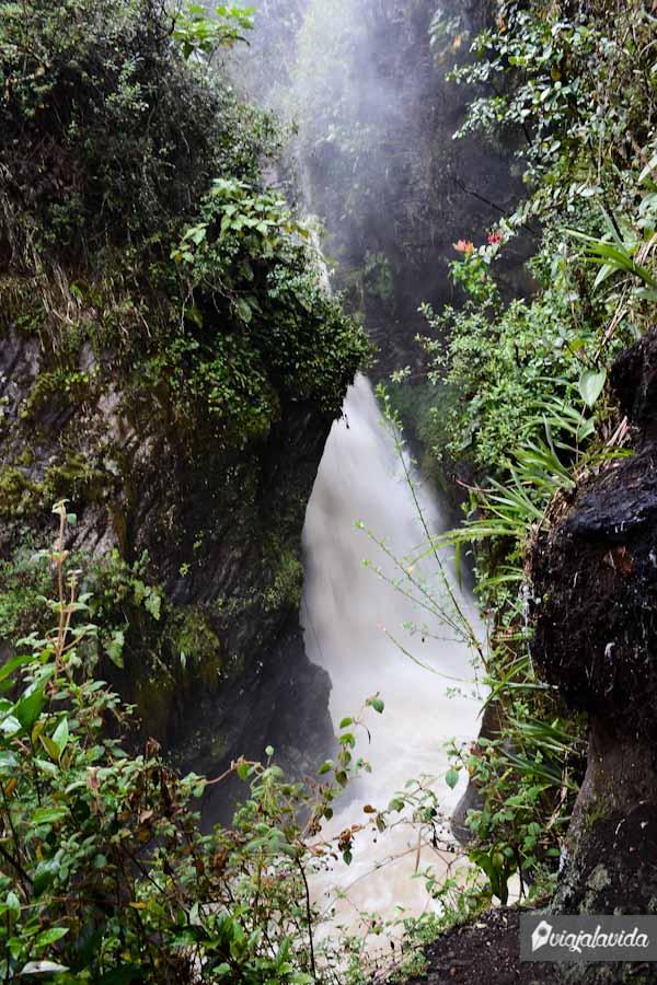 Cascada Virgen de Agua Santa.