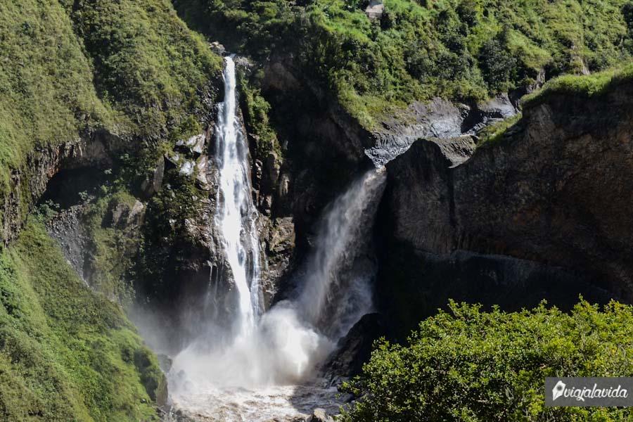 Naturaleza y cascada