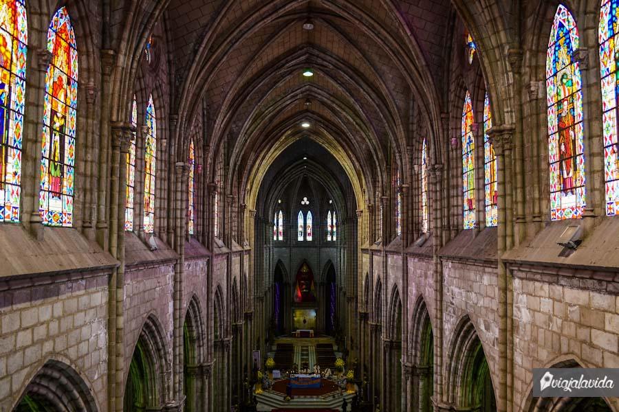 Interior de la iglesia de la basílica