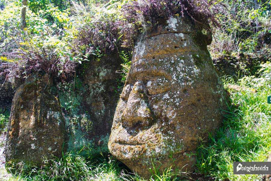 rostro inca tallado en piedra
