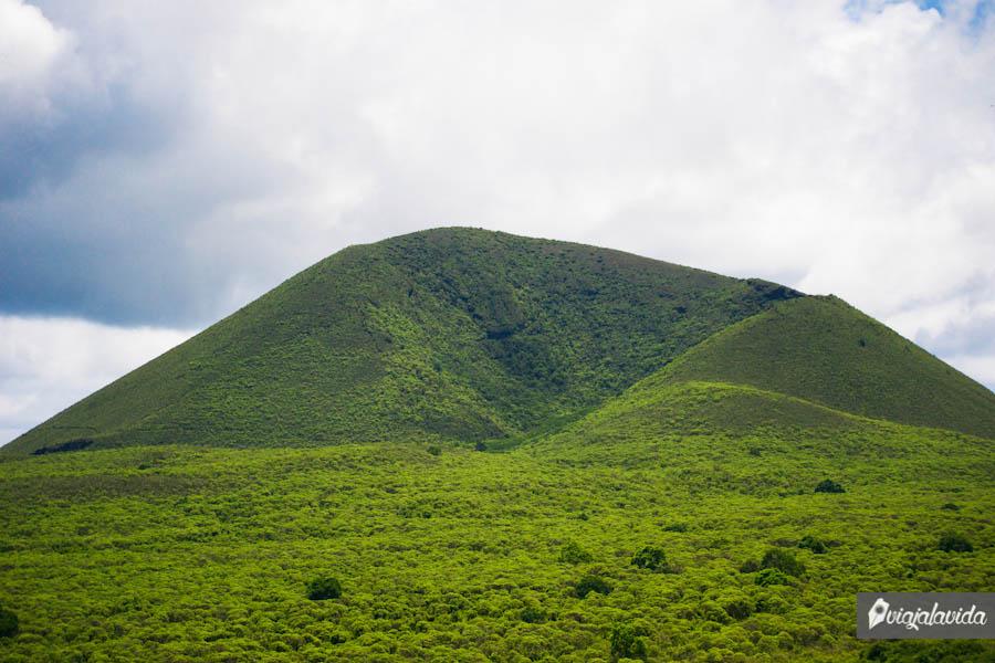 paisaje con el cerro verde