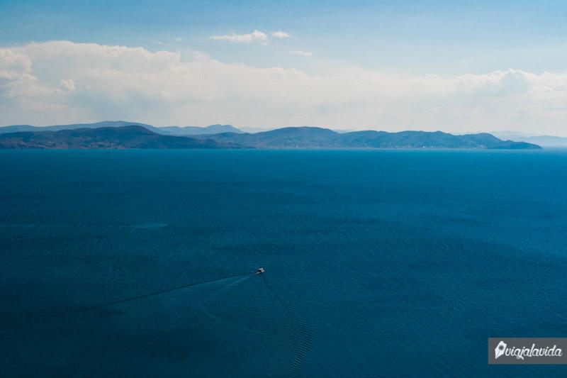 Gran inmensidad del lago Titicaca.