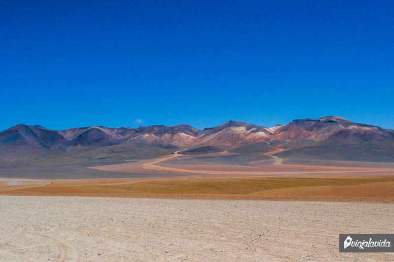 Montaña de siete colores en Bolivia.