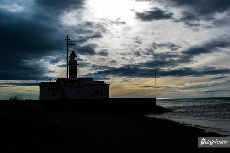 Faro frente al Estrecho de Magallanes.