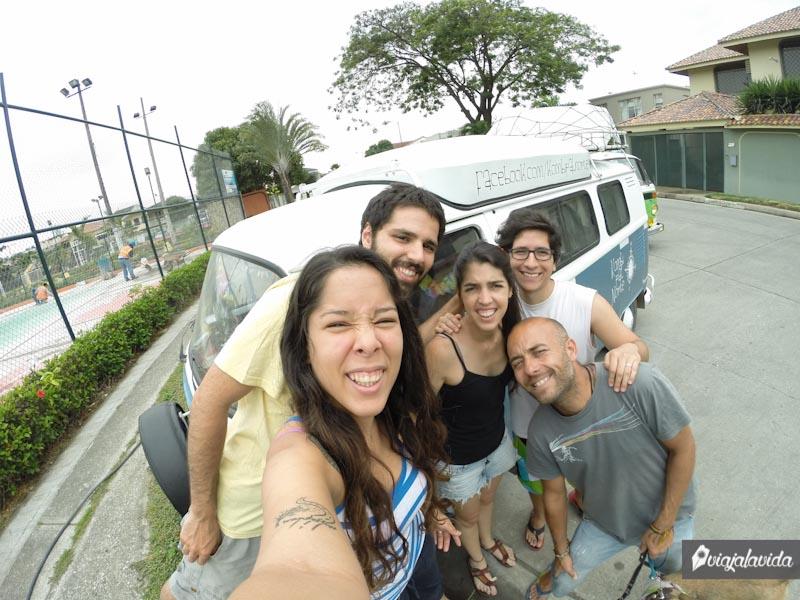 Viajeros en Colinas de los Ceibos.