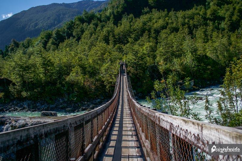 Puente en Ventisquero Colgante.