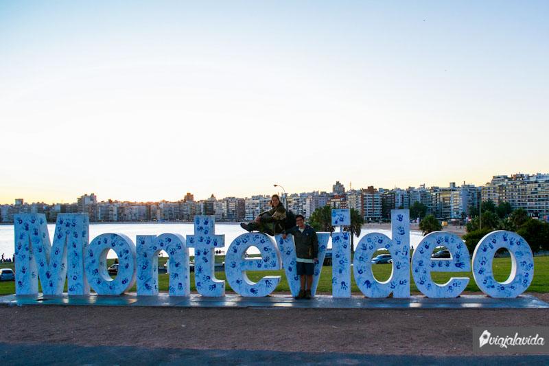 Cartel de letras Montevideo