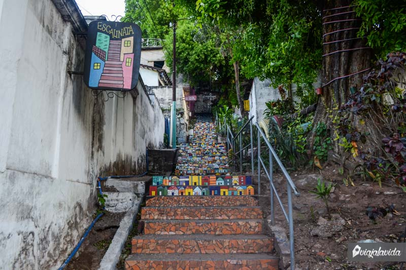 Escalinatas en Loma San Jerónimo.