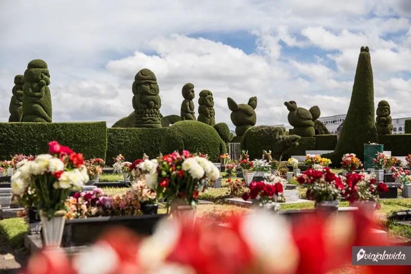 Cementerio decorado.
