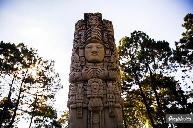 Monumento Maya en Santa Rosa de Copán.