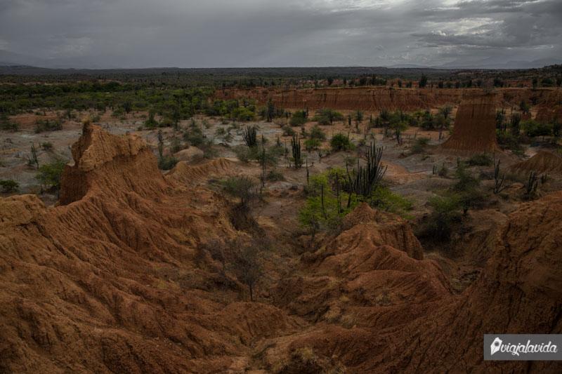 Parte roja del Desierto de la Tatacoa.