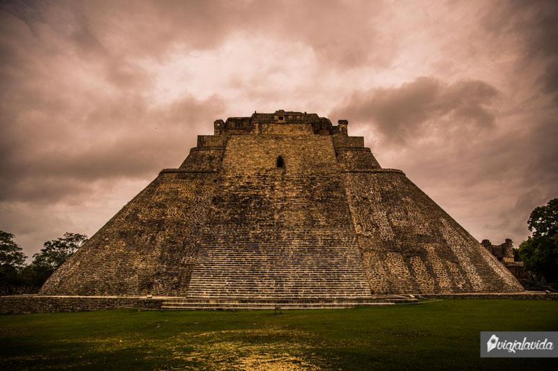 Pirámide del Adivino, Uxmal.