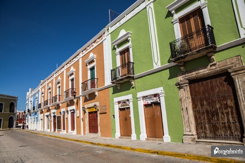 Casitas coloridas del centro de Campeche.