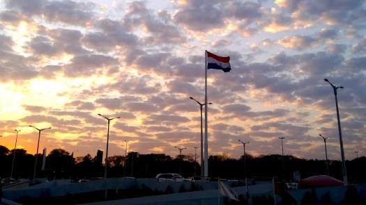 Amanecer en Asunción, Paraguay. Mi remedio favorito para el miedo.