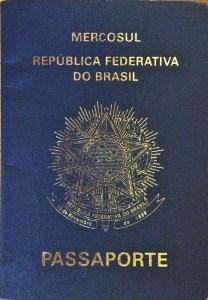 Meu passaporte, com um visto de 5 meses o.O