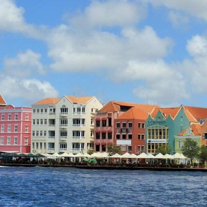 Punda e Otrobanda: o que fazer na capital de Curaçao.