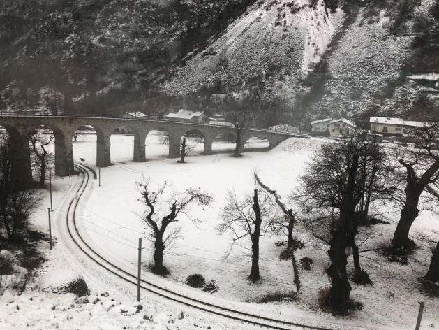 Bernina Express trem por St. Moritz