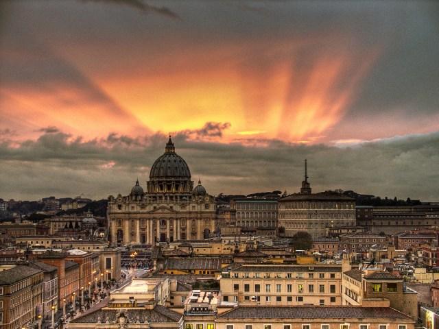 Jubileu Extraordinário em Roma_Sunset_Viajando bem e barato pela Europa