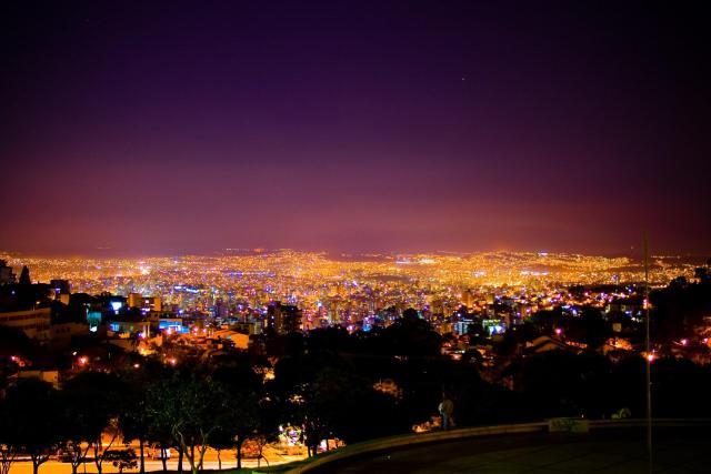 Belo Horizonte_Luzes_Viajando bem e barato