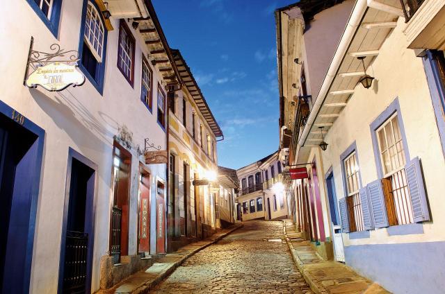 Roteiro histórico por Minas_ruas de Ouro Preto_Viajando bem e barato