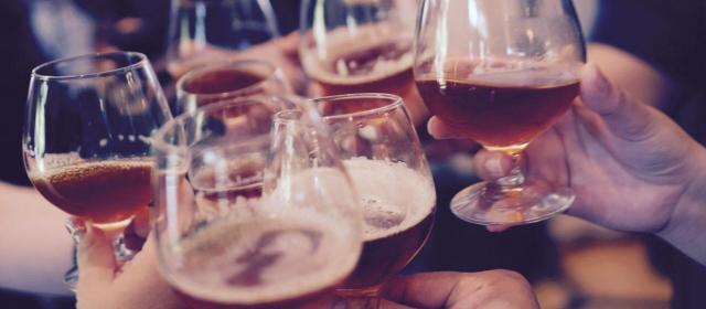 Um guia para quem ama cervejas feito por quem entende do assunto