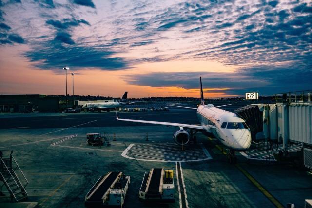 melhor forma de transporte pela Europa_aviao_Viajando bem e barato