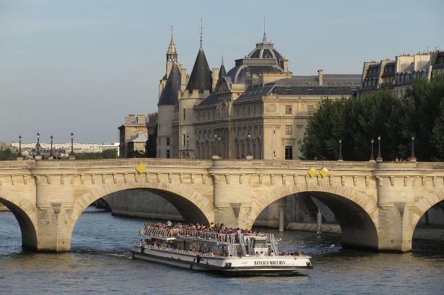 Paris_Bateaux_Viajando bem e barato